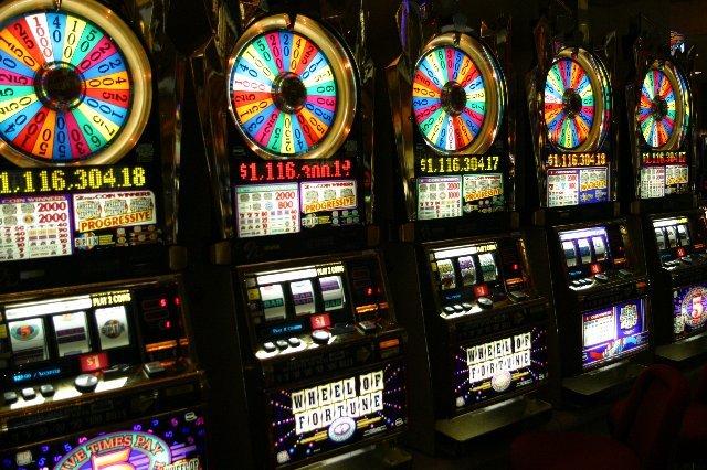 Космолот казино — первое легальное заведение Украины