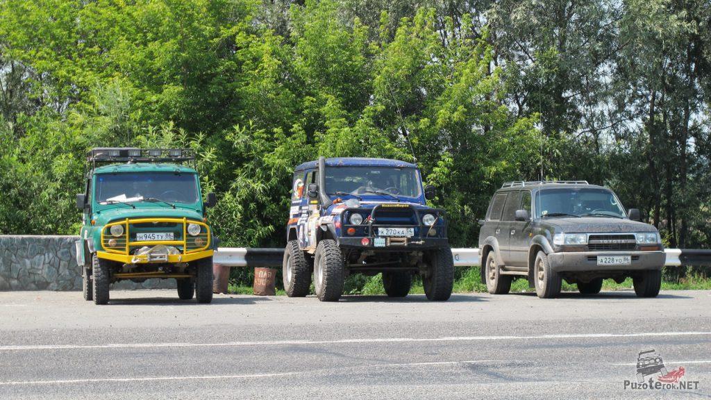 Фото автомобилей экспедиции в Горный Алтай