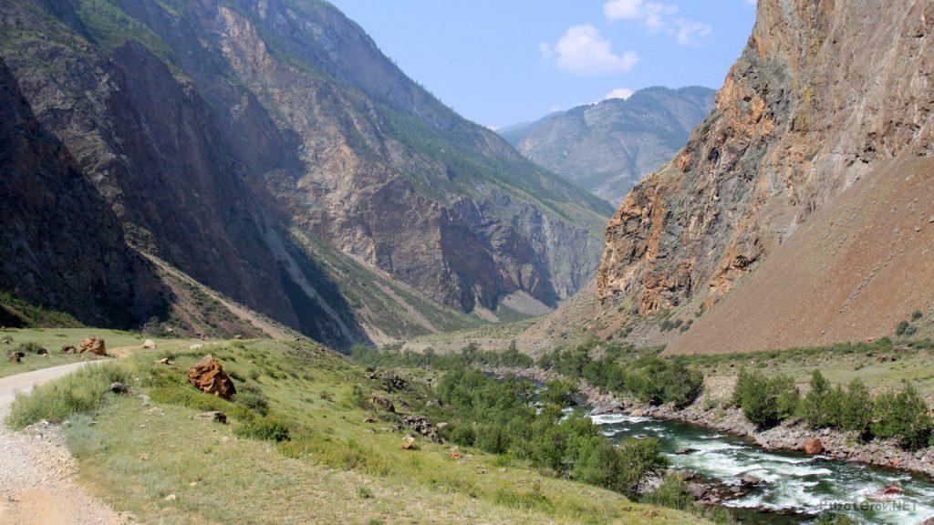 Природа Алтая. горная река Чулышман, пороги