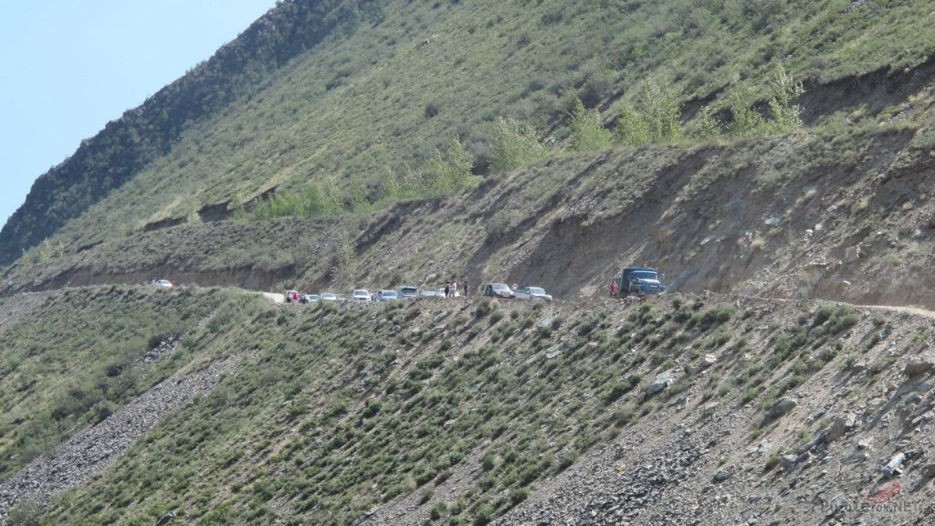 Пробка на перевале Кату-Ярык