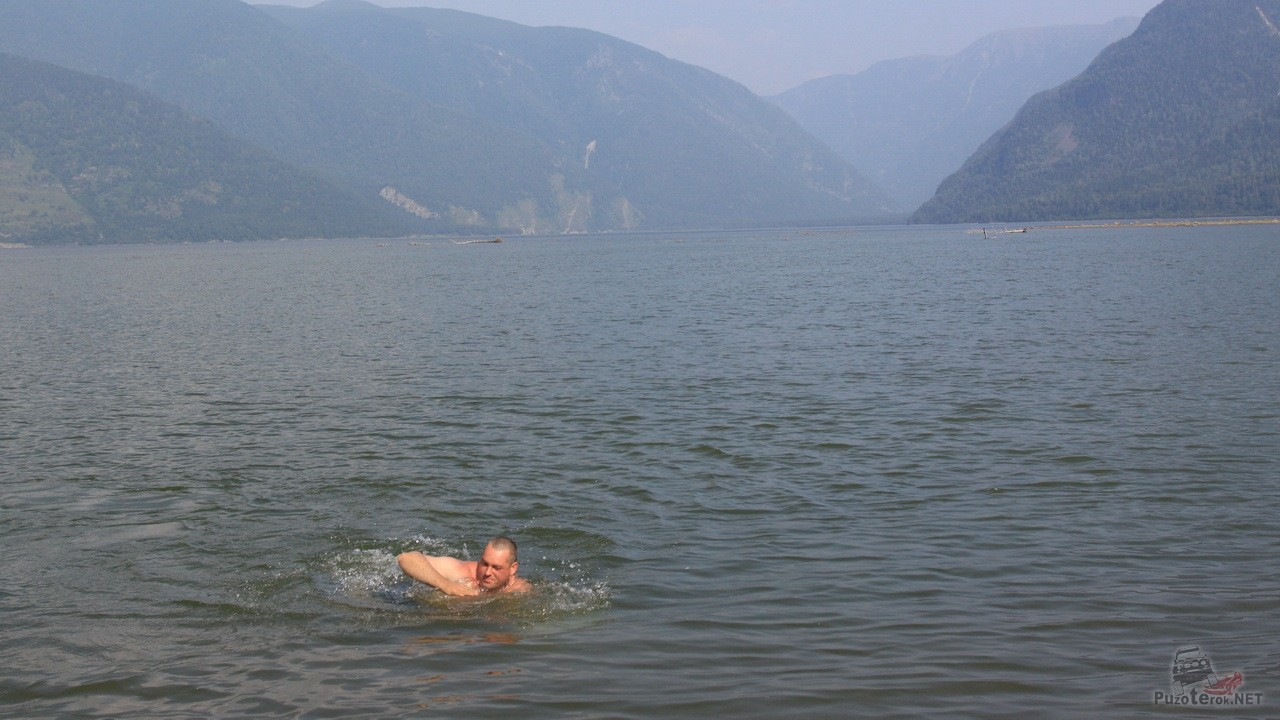 Купание в телецком озере