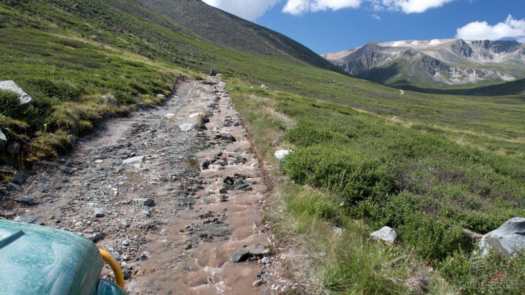 По дороге на Укок, перевал Теплый ключ