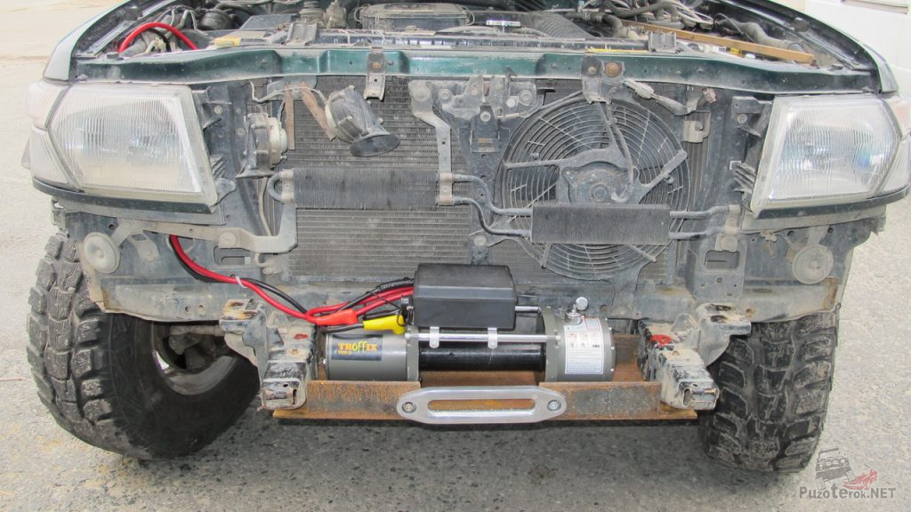 Установка лебедки на Nissan Patrol на самодельную площадку