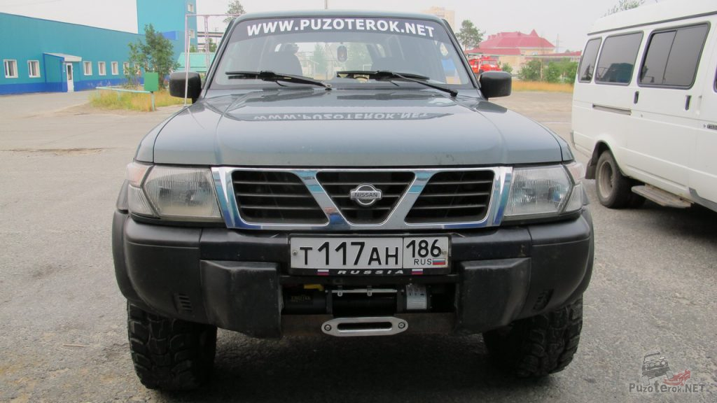 Лебедка на Nissan Patrol установлена за штатный бампер