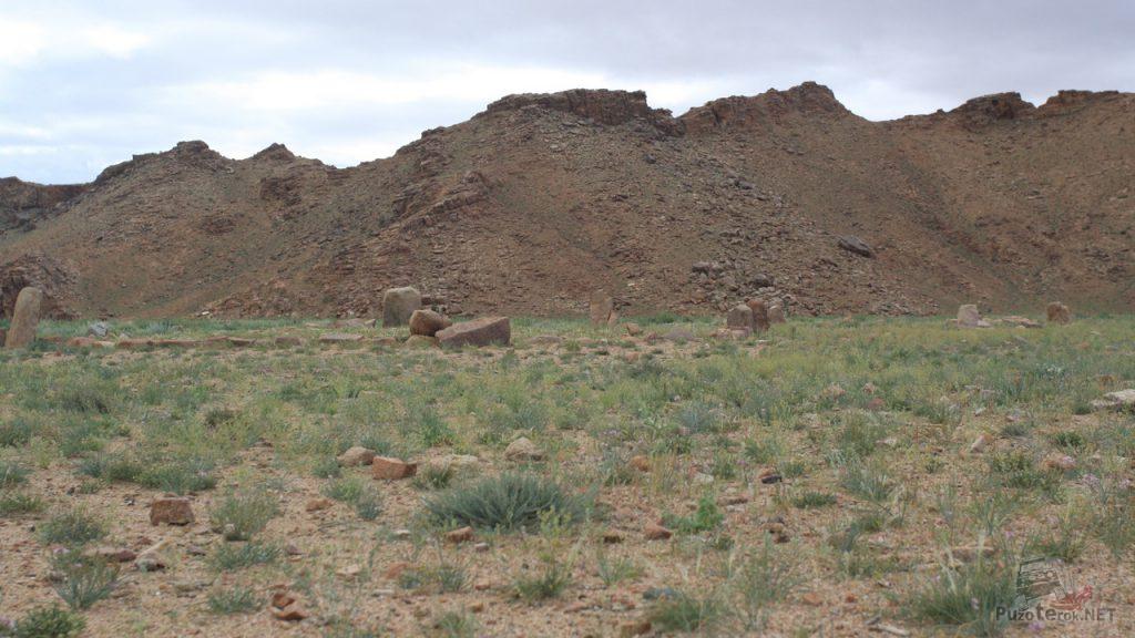 Монгольское кладбище, памятные камни