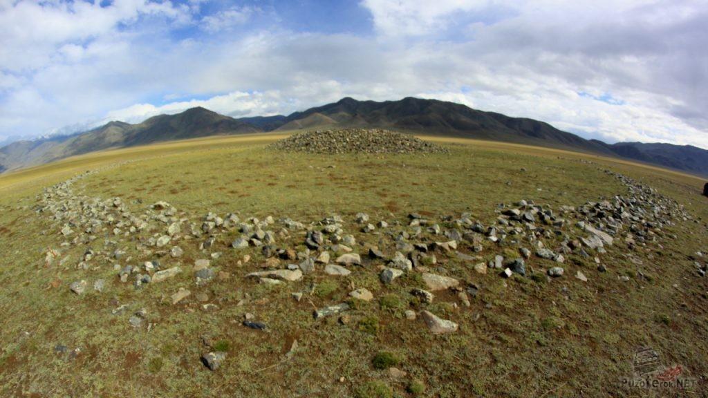 Курганы в Монголии