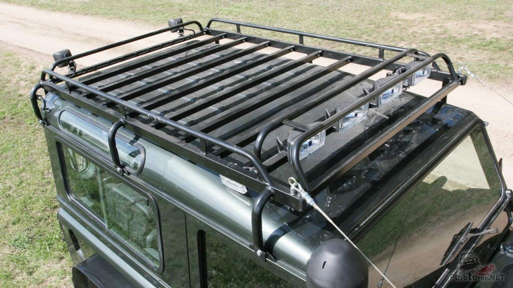 Экспедиционный багажник РИФ на Landrover Defender 90