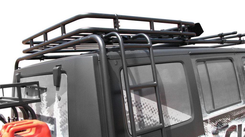 Экспедиционный багажник с лестницей на Jeep Wrangler