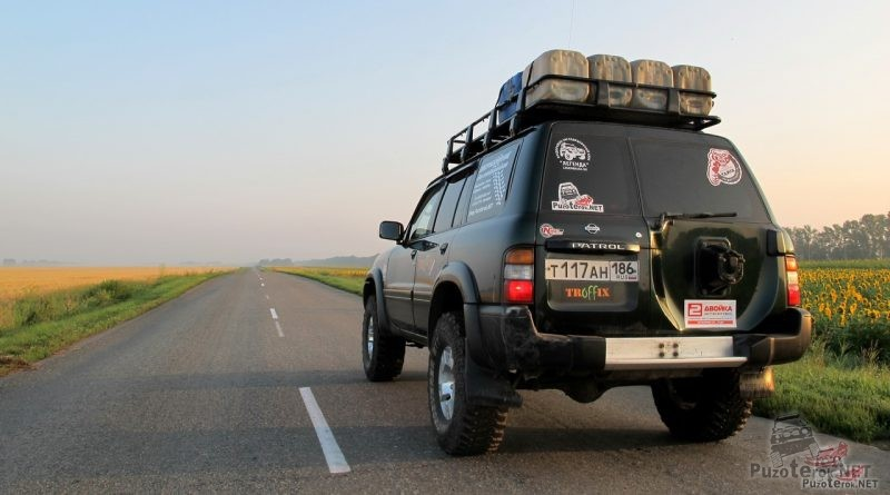 Использование экспедиционного багажника для перевозки топлива в дальних поездках