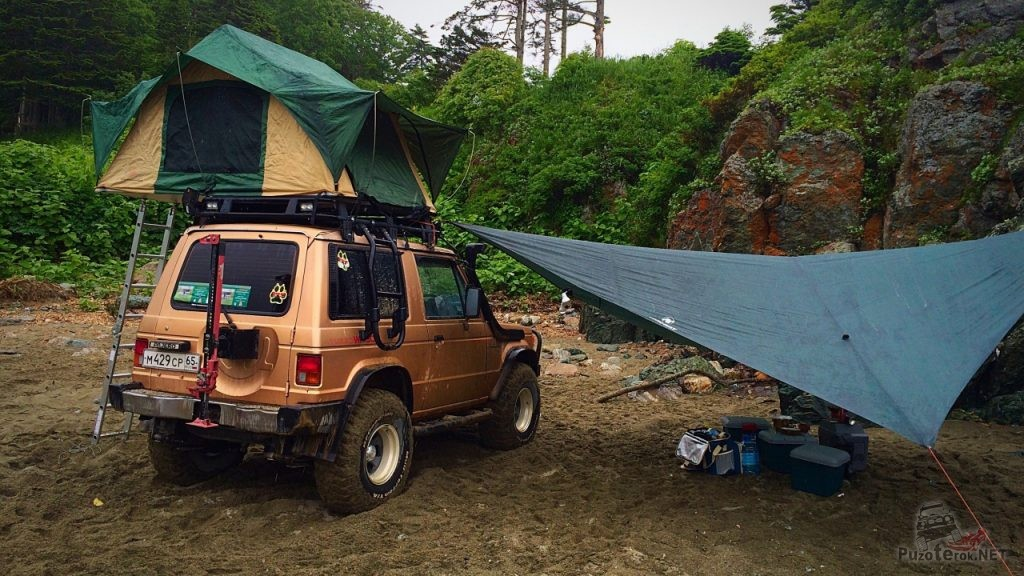 Палатка на экспедиционном багажнике