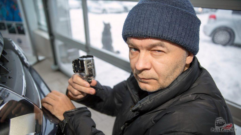 Оператор готовится снимать тест-драйв VolksWagen Amarok