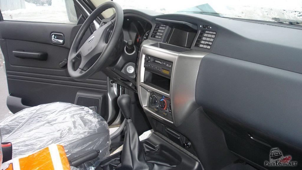 Салон нового Nissan Patrol TD42