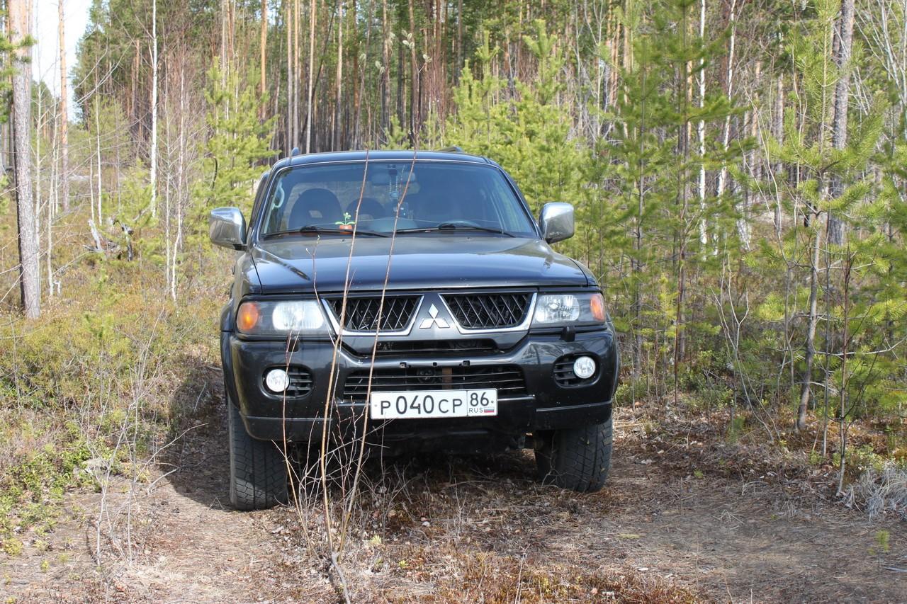 Mitsubishi pajero sport off-road