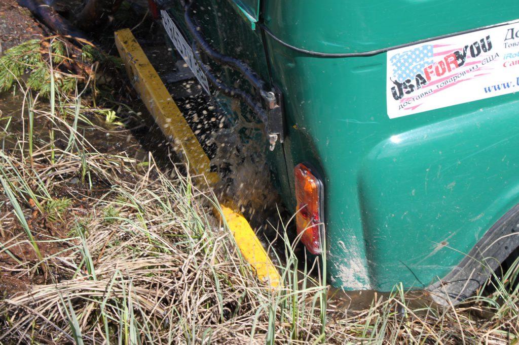 задний бампер уаз в болоте