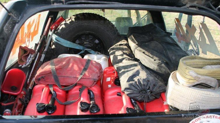 Перевозка топлива в канистрах в багажнике
