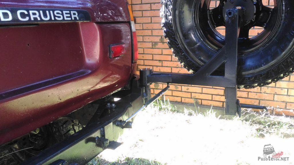 Задний силовой бампер с калиткой под запаску