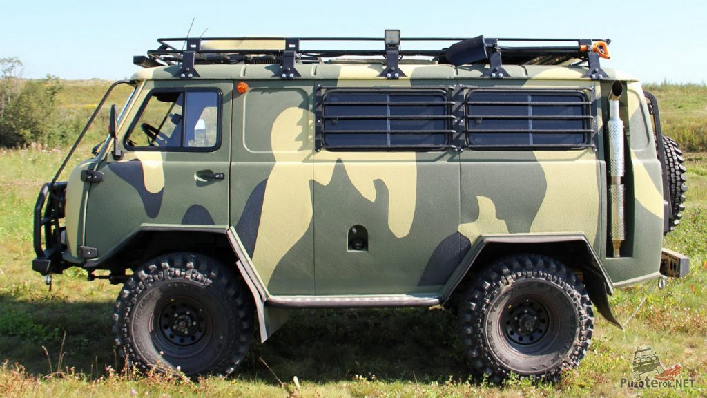 Пороги и силовой обвес РИФ на УАЗ Буханка, защита окон