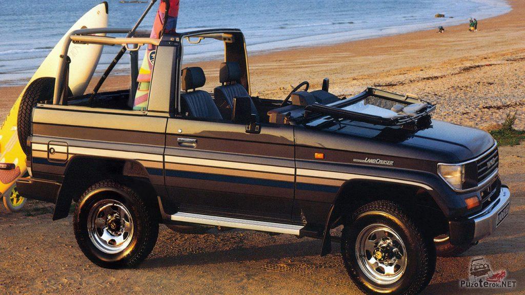 Пляжный вариант тойота лэнд-крузер кабриолет с откидным верхом и складывающимся лобовым стеклом