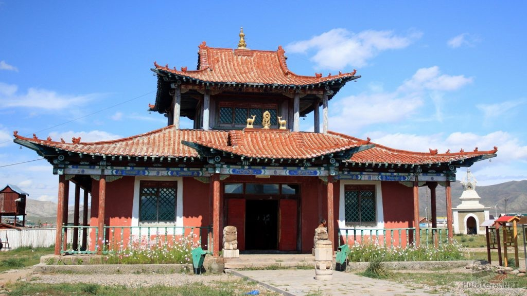Буддистский храм в Монголии (Мурен)