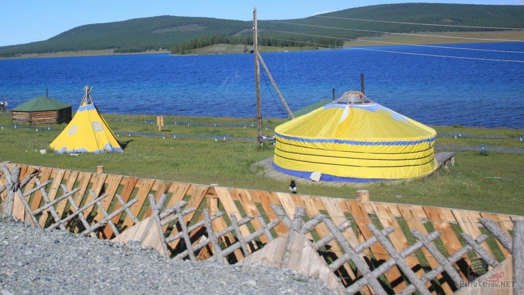 Монгольские юрты для туристов