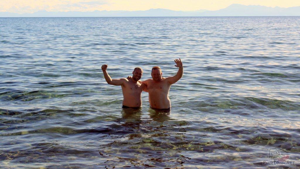 Купание в озере Хубсугул