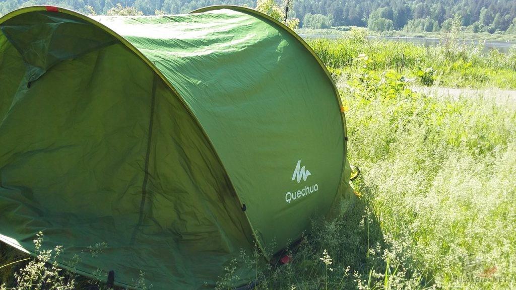 Палатка Quechua для путешествий