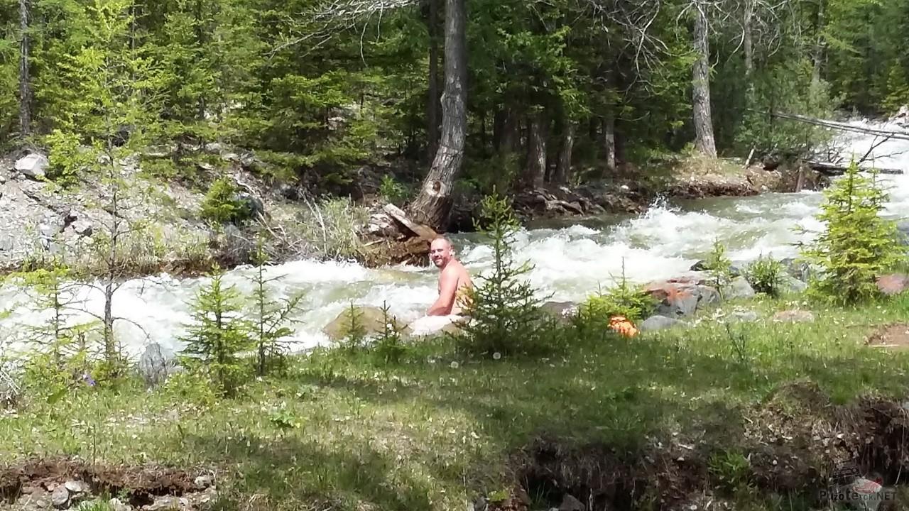 Купание в горной реке