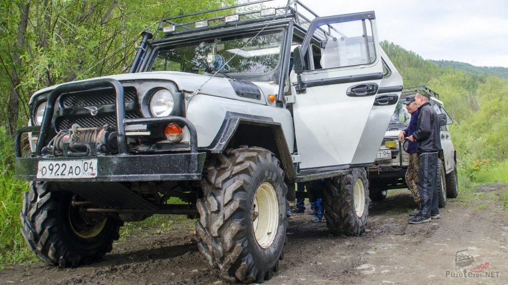 УАЗ на тракторной резине Ф-Бел 160М