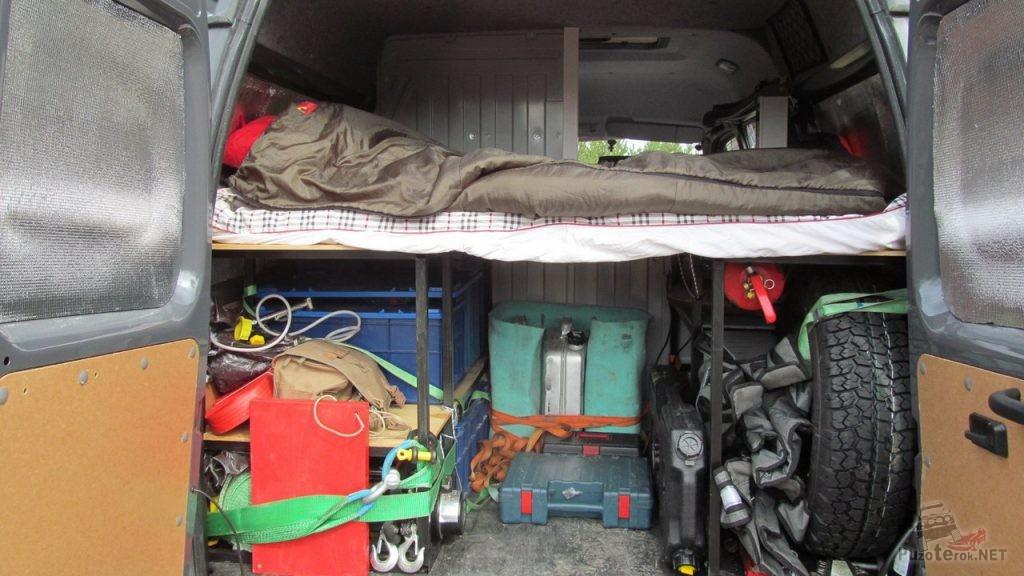 Организация спального места и багажа в ГАЗ Соболь 4х4