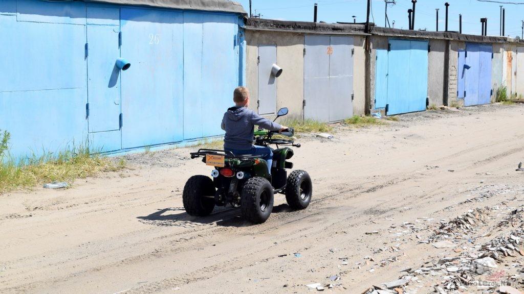 Первая поездка на детском квадроцикле Avantis