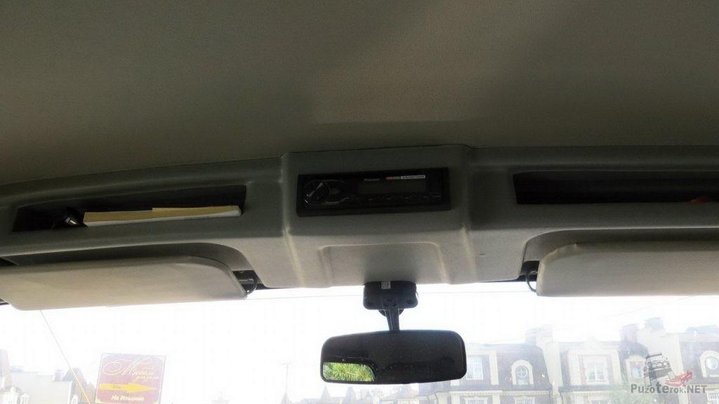 Потолочная консоль в УАЗ Хантер