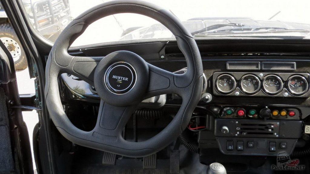 Спортивный руль в УАЗ Хантер