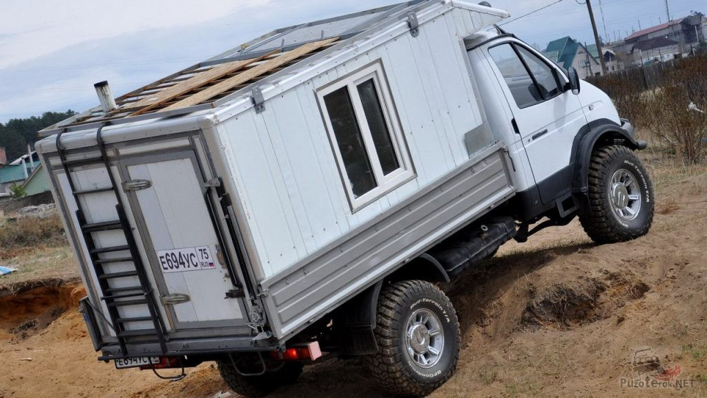Жилой модуль в кузов ГАЗ Соболь