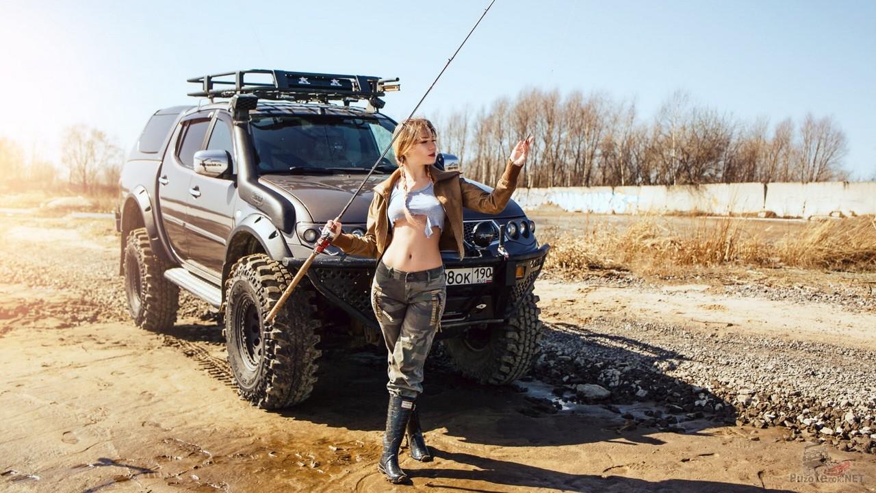 Фотосессия Miss Marzipanka на рыбалке и Mitsubishi L200
