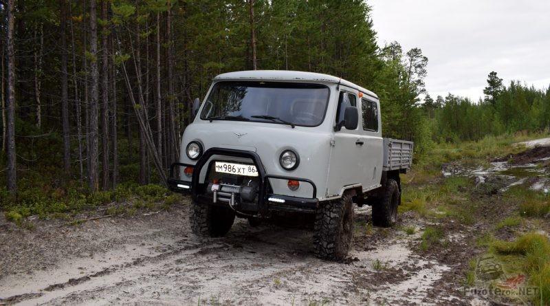 Подготовленный УАЗ Фермер в лесу