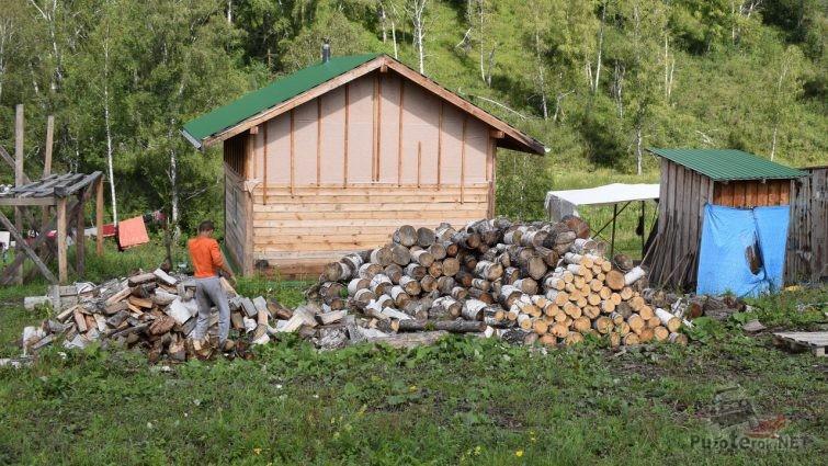 Заготовка дров на ферме Джастаса Уолкера