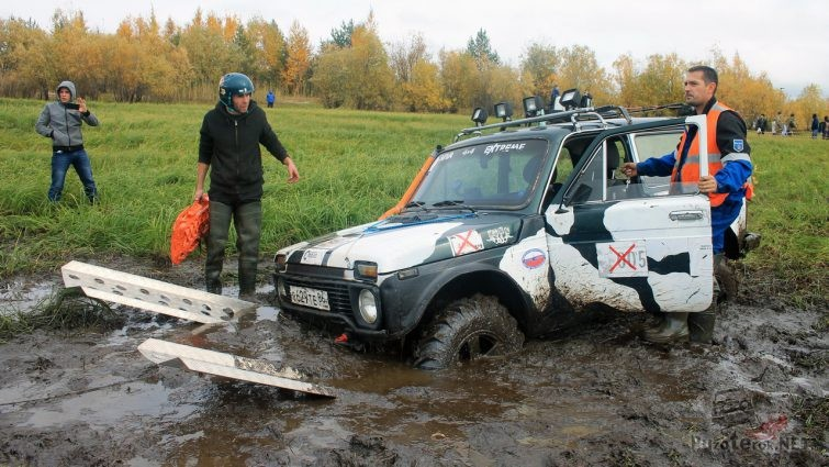 Использование алюминиевых сенд-траков в торфяном болоте