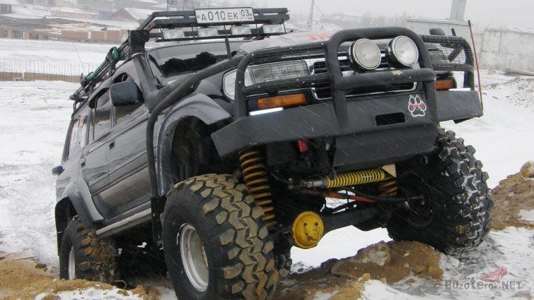 Подготовленный Toyota Land Cruiser 80