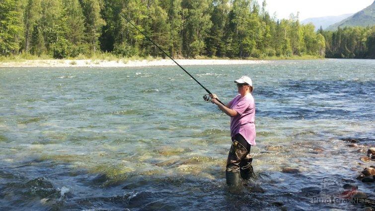 Рыбалка в горных реках притоках Байкала