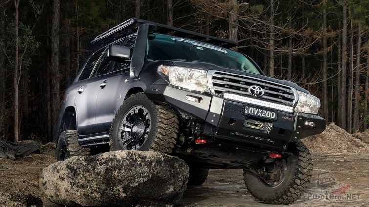 Toyota Land Cruiser 200 off Road