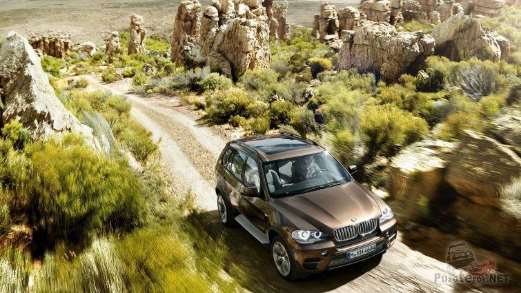 BMW x5 фото на грунтовке