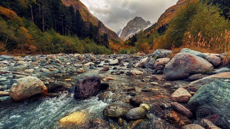Горная река Северного Кавказа