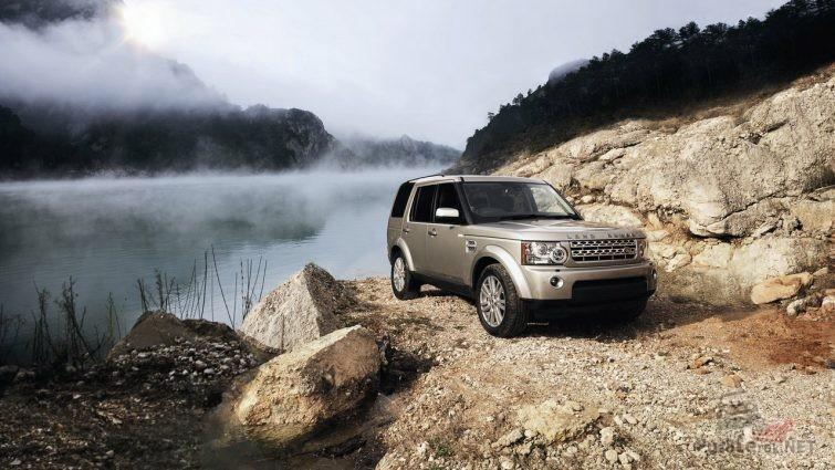Land Rover discovery 3 на грунтовой дороге