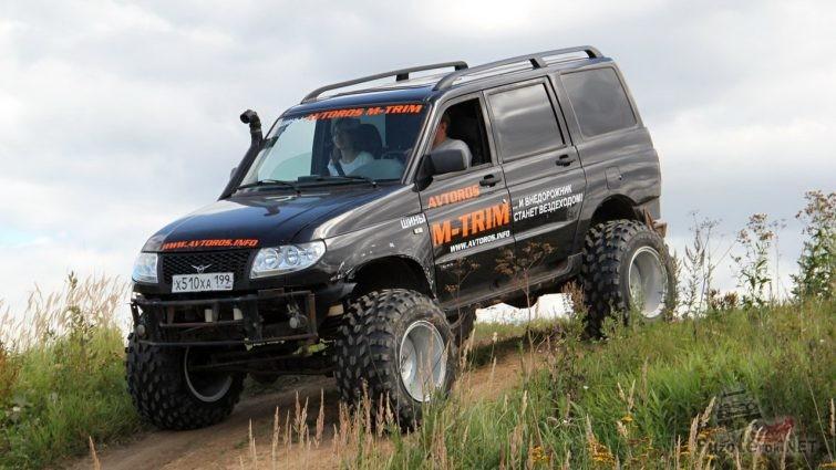 Лифтованный УАЗ Патриот на шинах низкого давления М-Трим