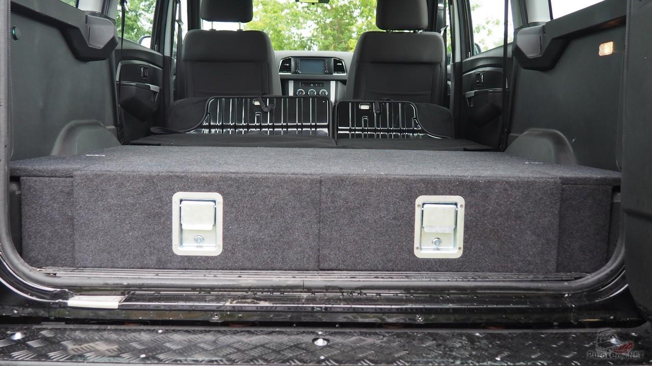Органайзер багажника УАЗ Патриот со сложенными сиденьями