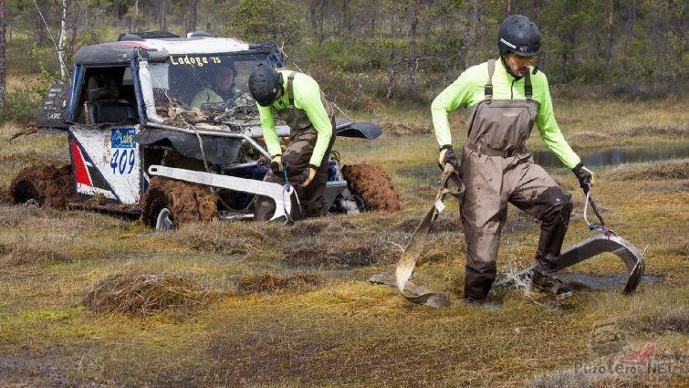 Якорь для лебедки в болоте на Ладоге
