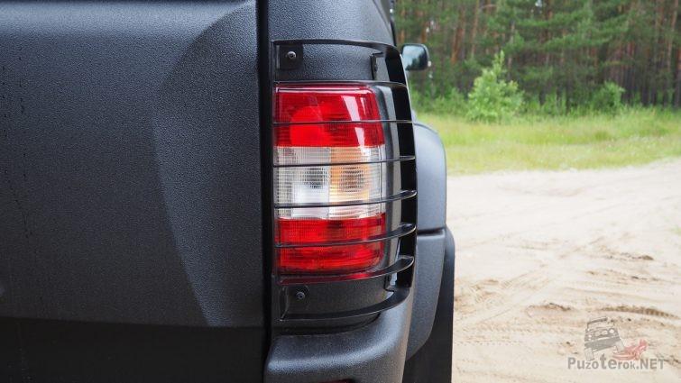 Защита задних фонарей на УАЗ Пикап