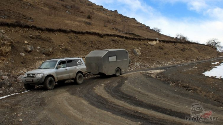 Путешествую по горам в поисках места для лагеря, Карачаево-Черкессия