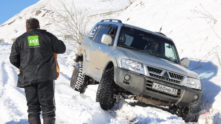 Снесло по дороге в Даргавс, пограничники остановились помочь