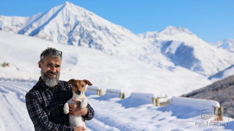 В горах Северной Осетии по дороге в Даргавс